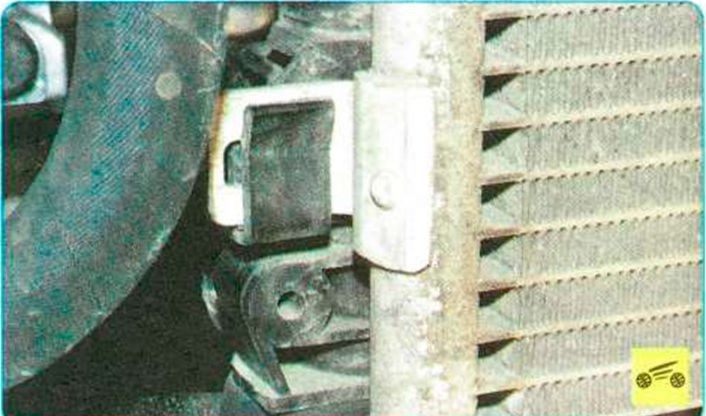 Замена радиатора на логане своими руками 74