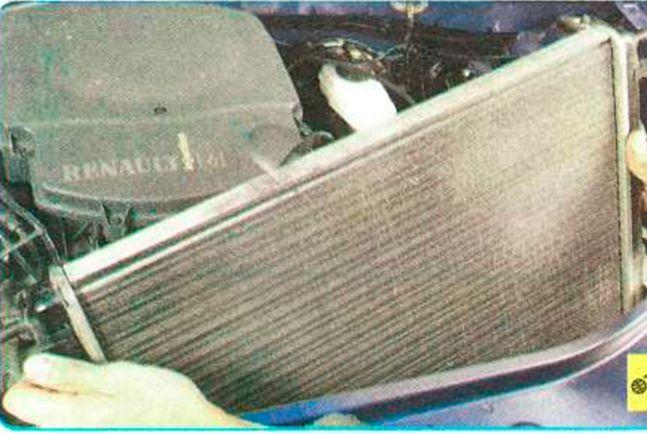 Замена радиатора на логане своими руками 21